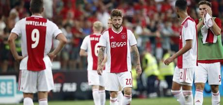 Ajax geeft uitzege op Standard Luik weg in blessuretijd